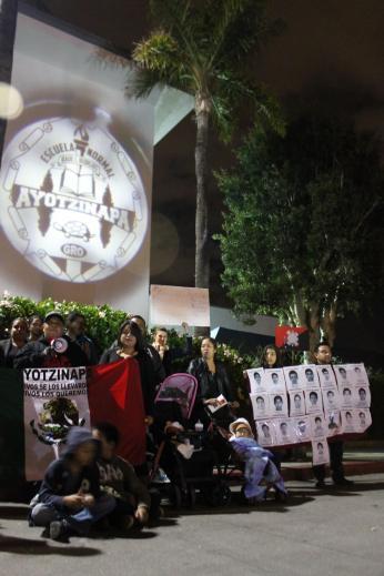 11/20/14 - OXNARD Unidos con MEXICO: Ayotzinapa vive, la lucha sigue! Consulado de Mexico, Oxnard CA